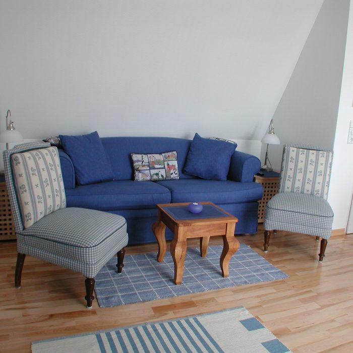 Der helle freundliche Wohnzimmer